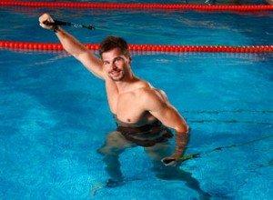 Преимущества фитнеса в бассейне