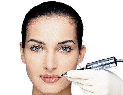Использование для перманентного макияжа одноразового расходного материала